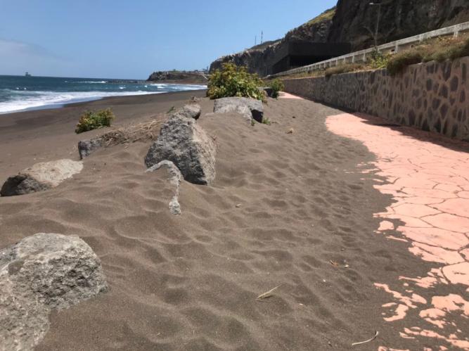 El PP solicita al Tripartito la puesta a punto de la Playa de La Laja para evitar que un año más en temporada estival los usuarios sufran las inclemencias de un gobierno incumplidor