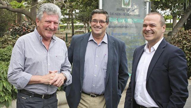 Cardona advierte que la improvisación del Tripartito arruinará la unión Vegueta- Triana como ha ocurrido con la Metroguagua