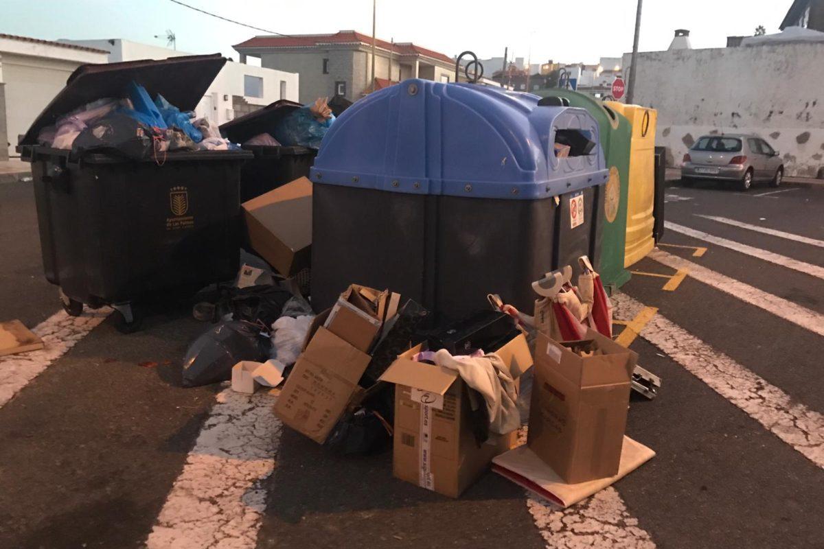 El PP alerta del problema de salud pública que está generando la nefasta gestión del Tripartito en la capital tras varios días sin recoger la basura