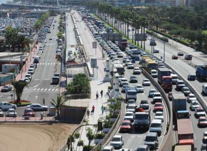 Lamentamos que los conductores sufran un nuevo 'mega-atasco' en la ciudad y anunciamos que si gobernamos resolveremos el nudo Torre Las Palmas