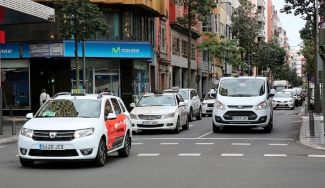 """El PP califica la suspensión judicial de la subida de tarifas del taxi como la """"última cachetada sin manos"""" que recibe el Tripartito tras cuatro años """"machacando"""" a este sector"""