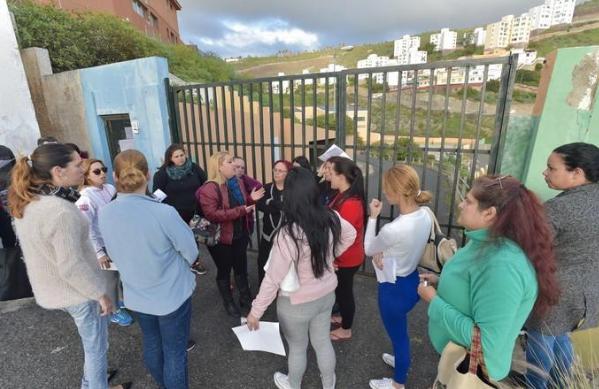 """El PP lamenta que tras 16 meses cerrado las administraciones """"sigan dando largas"""" a los padres y madres del CEIP León de El Lasso"""