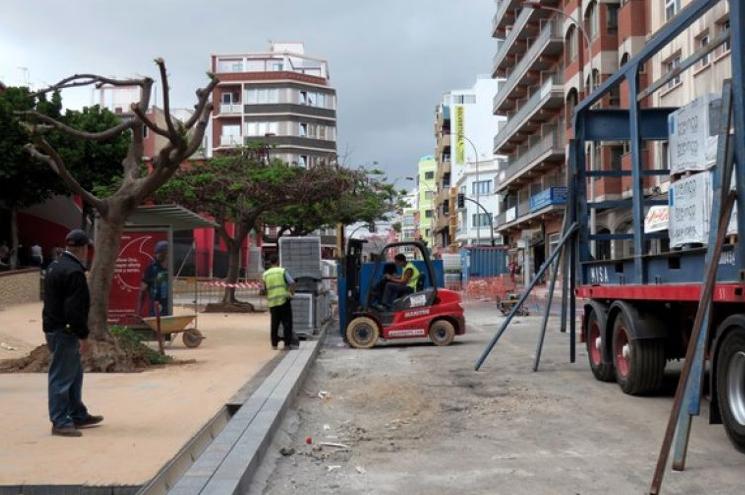El PP solicita acceso al expediente de las obras de la Metroguagua en la calle Galicia tras un nuevo cierre de la vía 9 meses después de su inauguración
