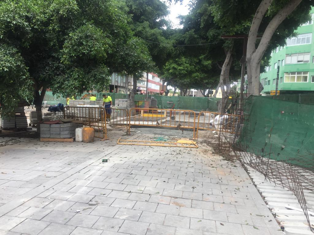 Luzardo solicita a Hidalgo que no se marche de vacaciones sin enderezar las obras de la Metroguagua tras nuevos retrasos y averías en Mesa y López