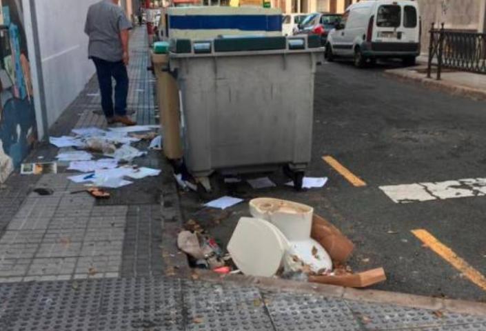 """Luzardo, ante las repetidas escenas de suciedad en LPGC: """"Le pedimos a Hidalgo que limpie la ciudad de una vez por todas"""""""