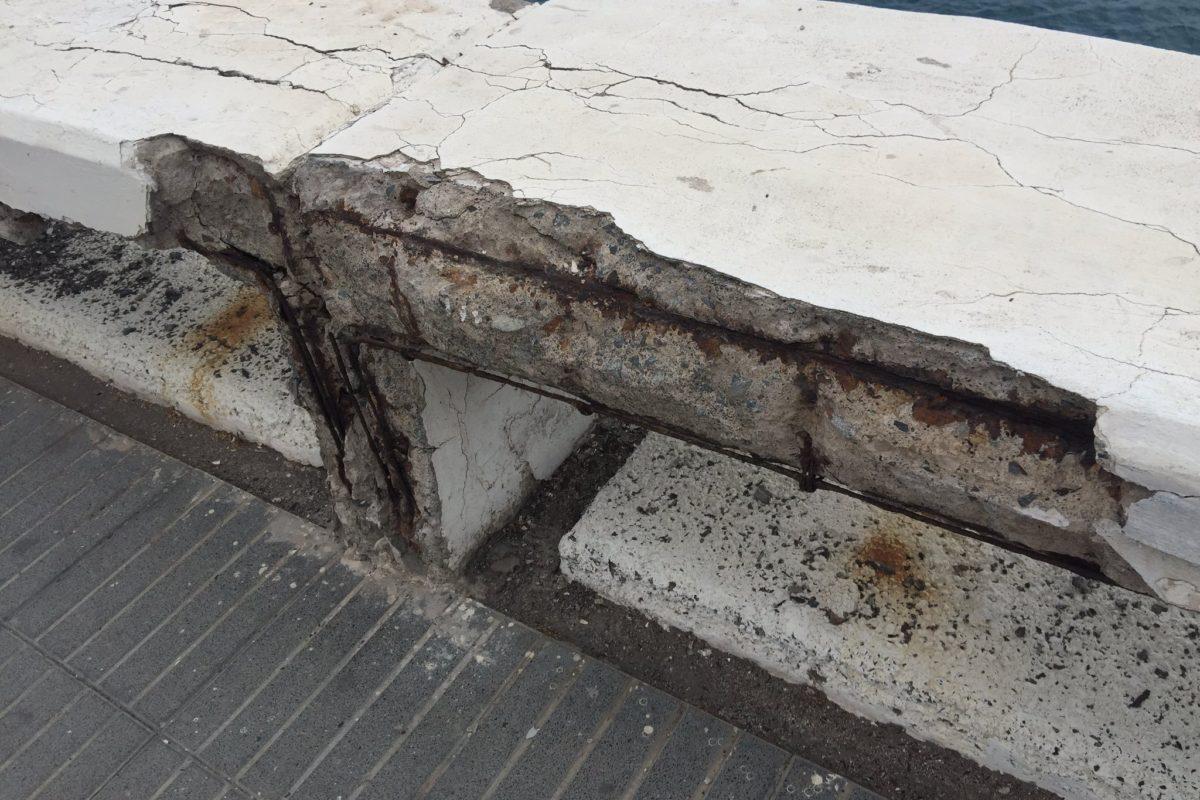 El PP lamenta que el PSOE fíe la mejora de la balaustrada y muros de la Avenida Marítima a las futuras obras de las Metroguagua