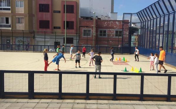 Luzardo pregunta a Hidalgo qué hará este verano para que los niños de infantil y primaria del municipio tengan garantizada las actividades formativas y de ocio